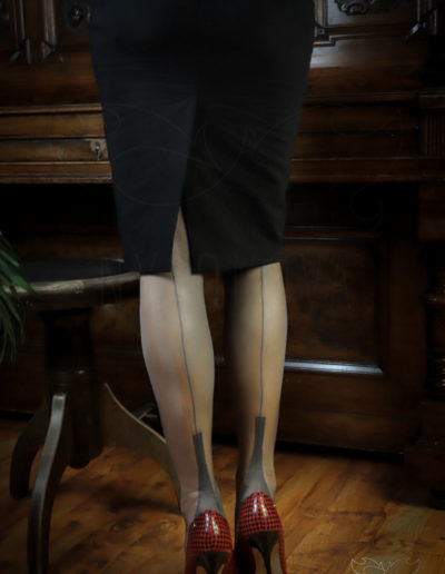 Mrs NyloNova is wearing grey Gio FF Cuban Heel nylon stockings, Kazar high heels and pencil skirt by Aggi.